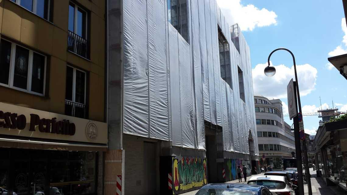 Kolumba Diözesan Museum Köln - die eingerüstete Westdfassade im juni 2017