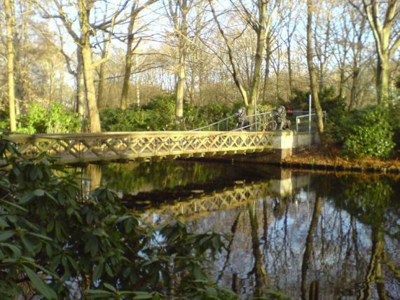 Löwenbrücke Gesperrt