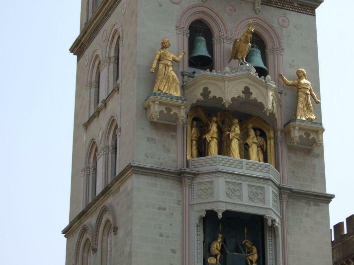 Messina Uhr Dina und Clarenza