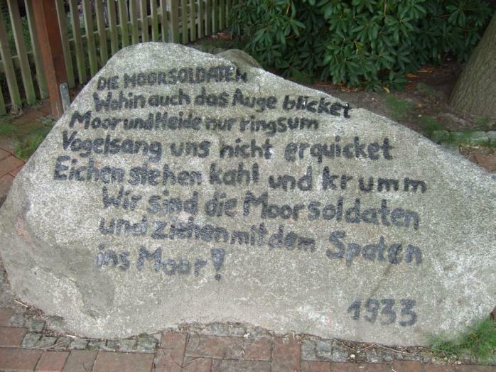 Moorsoldaten - Gedenkstein vor dem ehem. KZ Börgermoor
