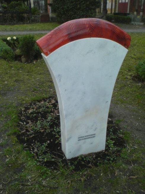 Hedwig Dohm Gedenkstein, Rückseite