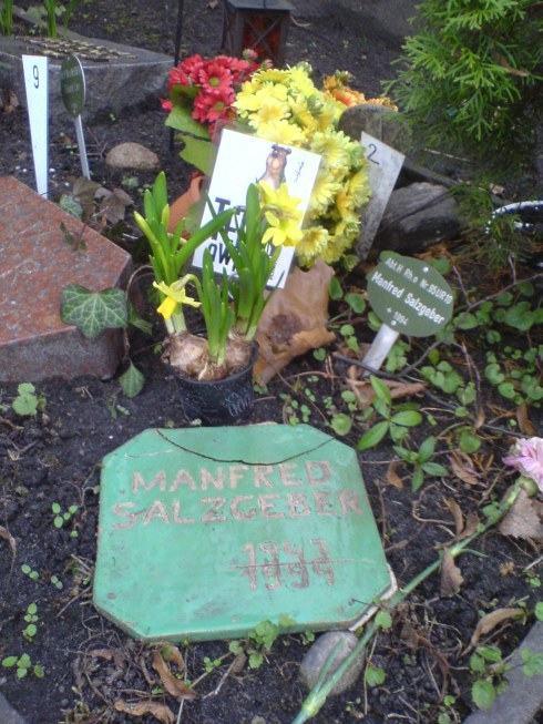 Manfred Salzgeber Grab