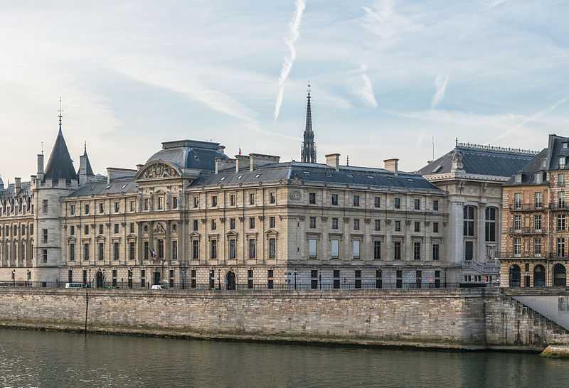 Gebäude des Kassations-Gerichtshofs in Paris (Foto: DXR, Lizenz cc by-sa 4.0)