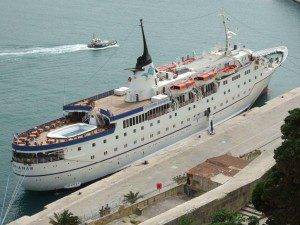 MS-Adriana III im Hafen von Valletta / Malta am 12. April 2008