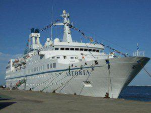 MS-Astoria im Hafen von Lissabon am 22. September 2007