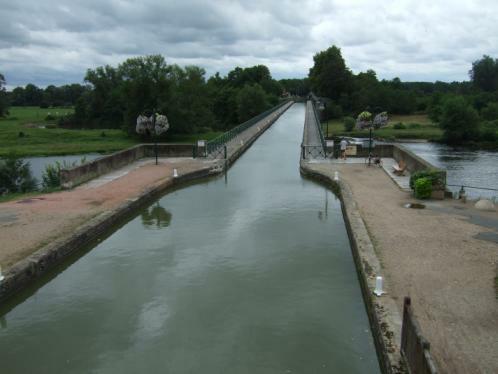 Digoin - Kanalbrücke über die Loire