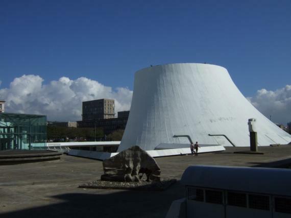'Le Volcan' oder 'Espace Niemeyer' in Le Havre
