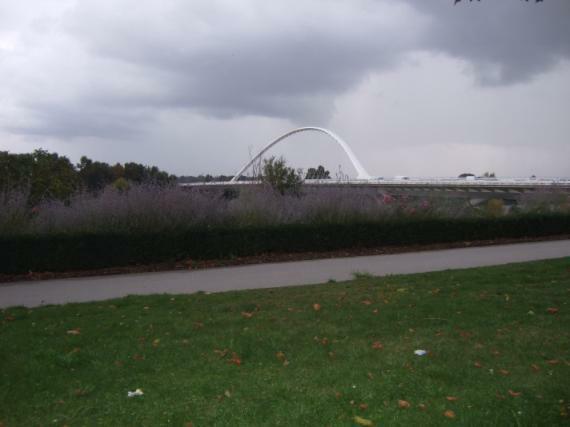 Santiago Calatrava, Pont de L'Europe (Europabrücke) über die Loire, Orléans, (1996–2000)