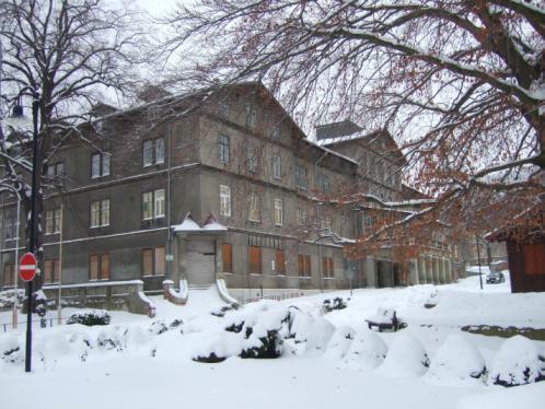 Das ehemalige ' Hotel Zehnpfund ' in Thale, Dezember 2010