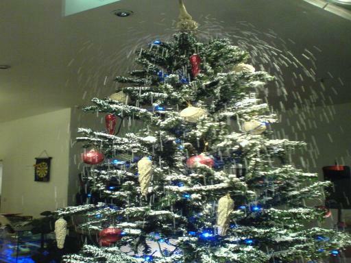 Weihnachtsbaum mit eigenem Schnee