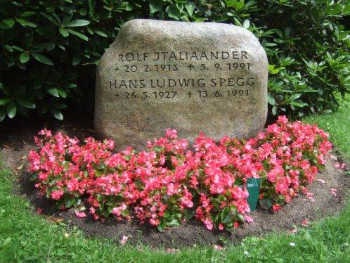 Rolf Italiaander, Grabstätte Friedhof Hamburg Ohlsdorf, 2012