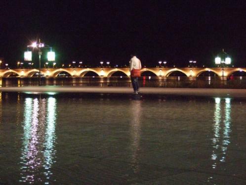 Bordeaux, mirroir d'eau nachts
