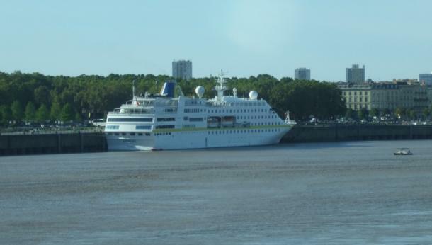 MS Hamburg in Bordeaux, September 2010