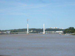 Garonne-Brücke pont_Bacalan_Bastide_01