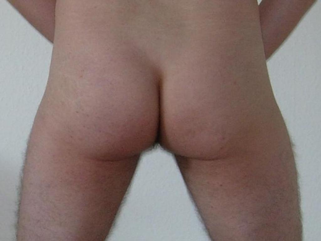post bareback - männlicher Hintern (Foto: Olaf H. / gemeinfrei)