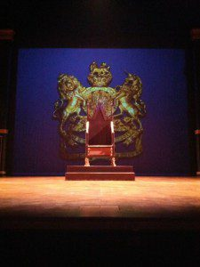 The Kings Speech, Hamburg St. Pauli Theater, Bühne mit Thron