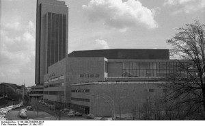 Hamburg, Kongresszentrum (Bundesarchiv, B 145 Bild-F039666-0016 / Engelbert Reineke / CC-BY-SA)