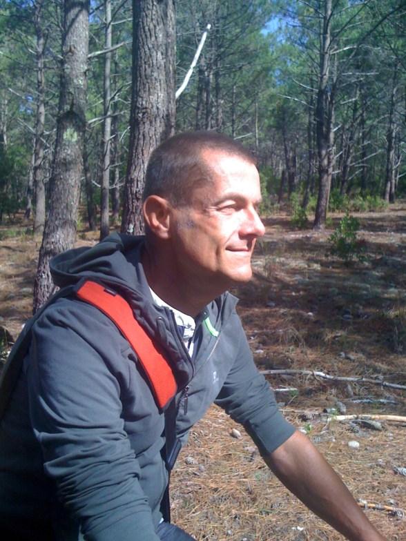 Ulli, radelnd in den Wäldern bei Lacanau, Oktober 2012