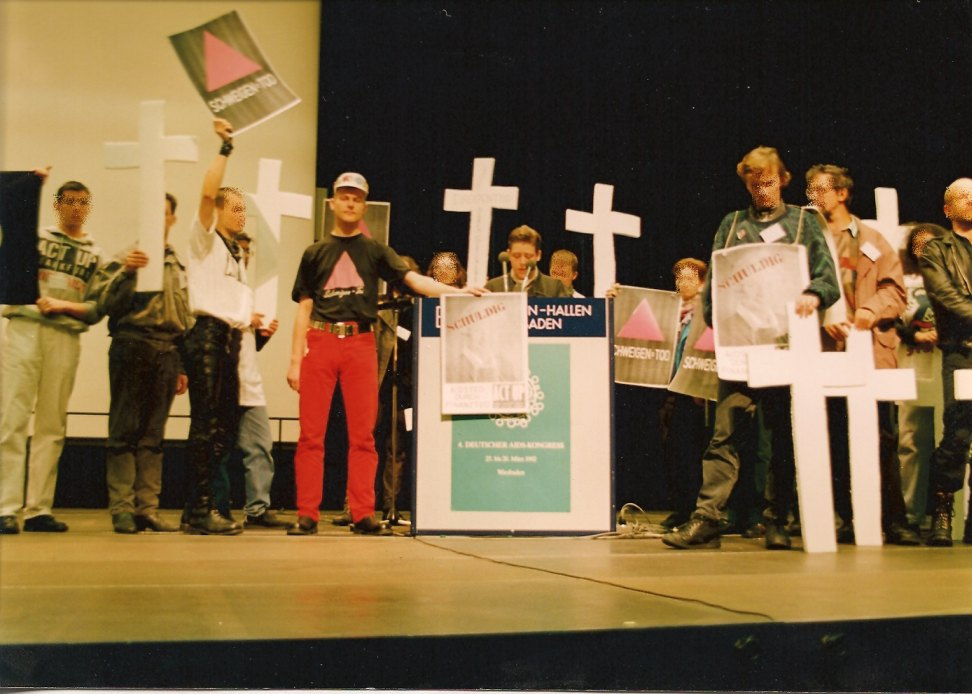Podiumsdiskussion ACT UP : ACT UP Aktion beim 3. Deutschen Aids-Kongress Wiesbaden 1992