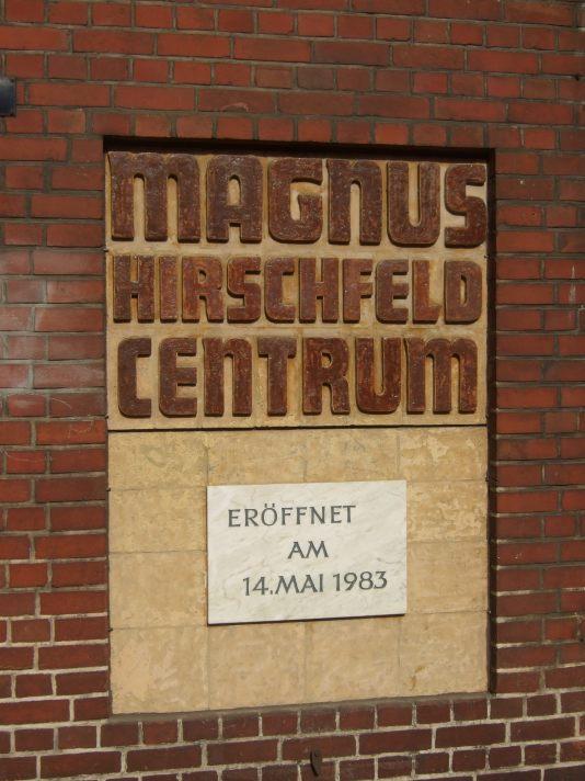 gegründet von der UHA : Gedenktafel für die Eröffnung am 14. Mai 1983