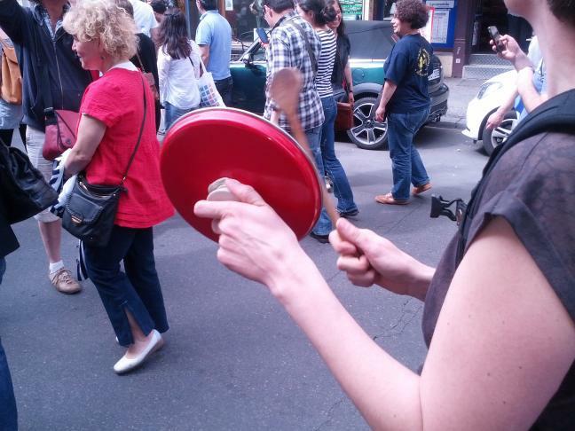 Topfdeckel schlagen - Zeichen des Protest