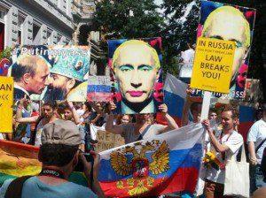 Homophobie in Russland Proteste bei der Parade CSD Hamburg 2013