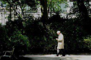 Abschaffung der Todesstrafe in Frankreich: der damalige Justizminister Robert Badinter im Jardin du Luxembourg, Paris, Juni 2010