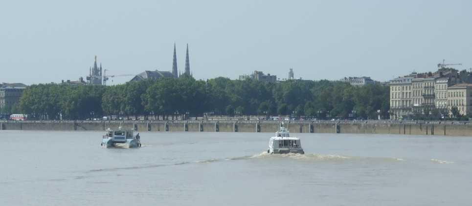 BatCub - die neue Garonne-Fähre von Bordeaux