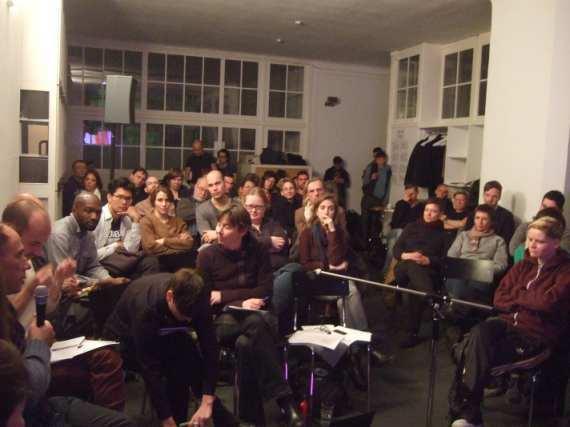Podiumsdiskussion ACT UP ! Feuer unterm Hintern! Queeres Gegen-Gedächtnis und Aids-Aktivismus in Deutschland