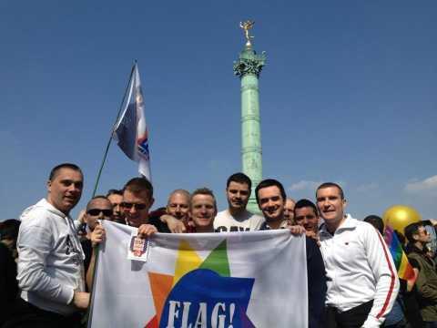 FLAG!-Mitgleider bei einer Demonstration gegen Homophobie und Transphobie in Frankreich, Paris  Bastille,  21. April 2013