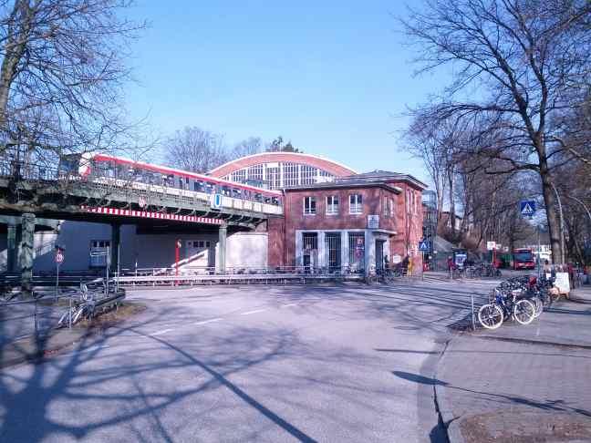 Hamburg U-Bahnhof Volksdorf Station aussen
