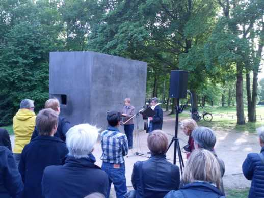 Dr. Claudia Schoppmann und Sigrid Grajek, Gedenkstunde für in der NS-Zeit verfolgte Lesben
