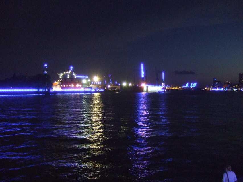 Blue Port2014 - Blick von den Landungsbrücken elbabwärts