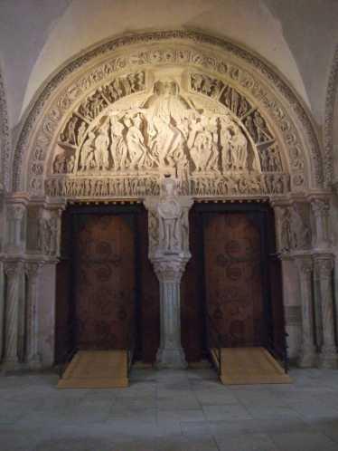 Vezelay Basilika SainteMarieMadeleine 04