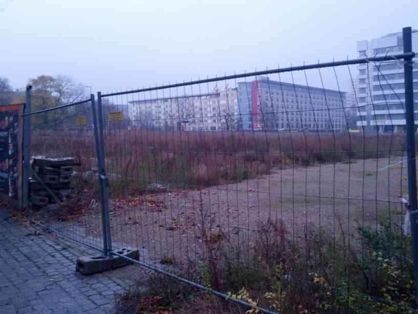 die Brache des ehemaligen Ungers IBA Wohnblock im November 2014