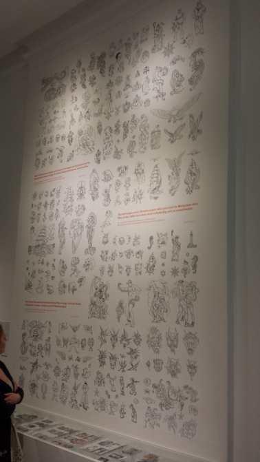 Wand mit Vorlagen aus dem Vorlagenbuch Herbert Hoffmann, Musuem für Kunst und Gewerbe, Hamburg 2015
