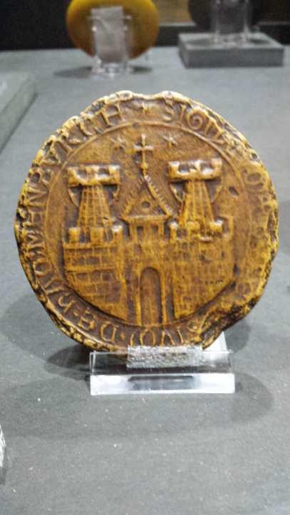 erstes Staatssiegel Hamburgs mit Bischofsturm, 1241, Replik
