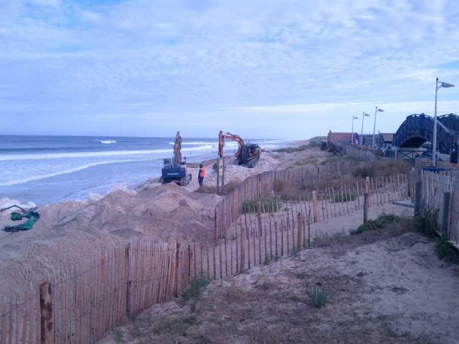 Baumassnahmen zur Wiederherstellung des Küstenschutzes - Lacanau Ocean im September 2014