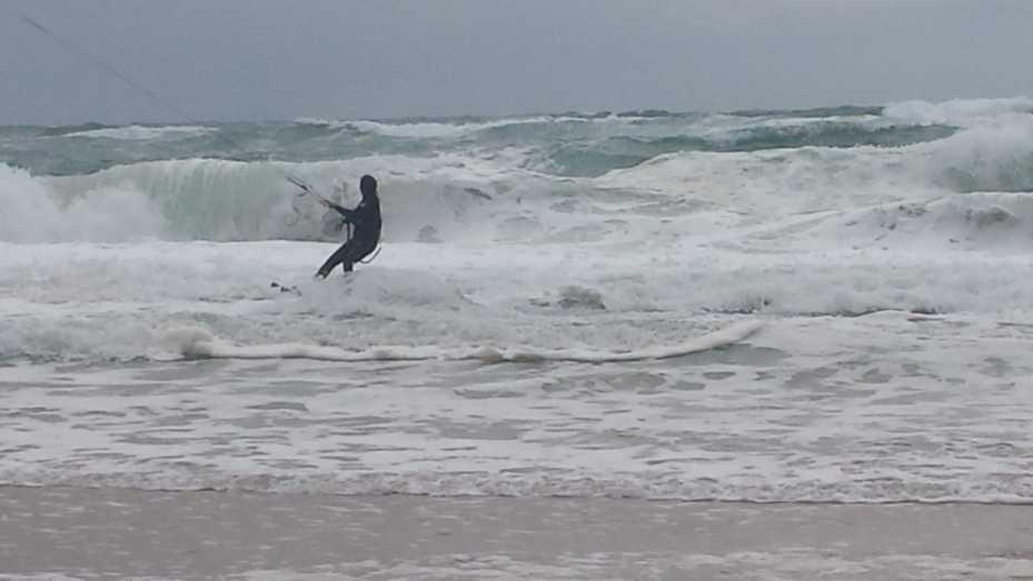 unten: Video Kitesurfer Lacanau Océan