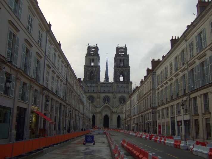 Orleans Strassenbahn, Bauarbeiten für die neue Linie B vor der Kathedrale, September 2010
