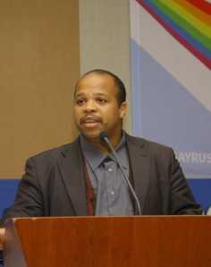 Louis Georges Tin bei einer LGBT-Konferenz in Minsk 2009 (Foto: niko111)