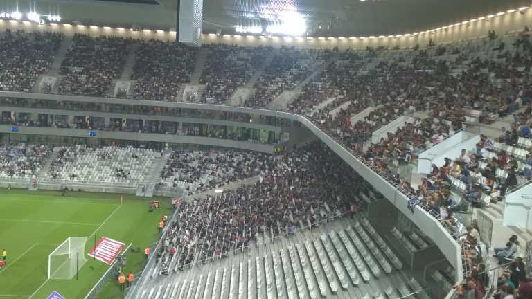 Austragungsort der EM 2016 in Bordeaux - das grand stade de Bordeaux, hier beim Spiel Girondins Bordeaux gegen AEK Larnaca am 30. Juli 2015 (Foto: Fantafluflu)