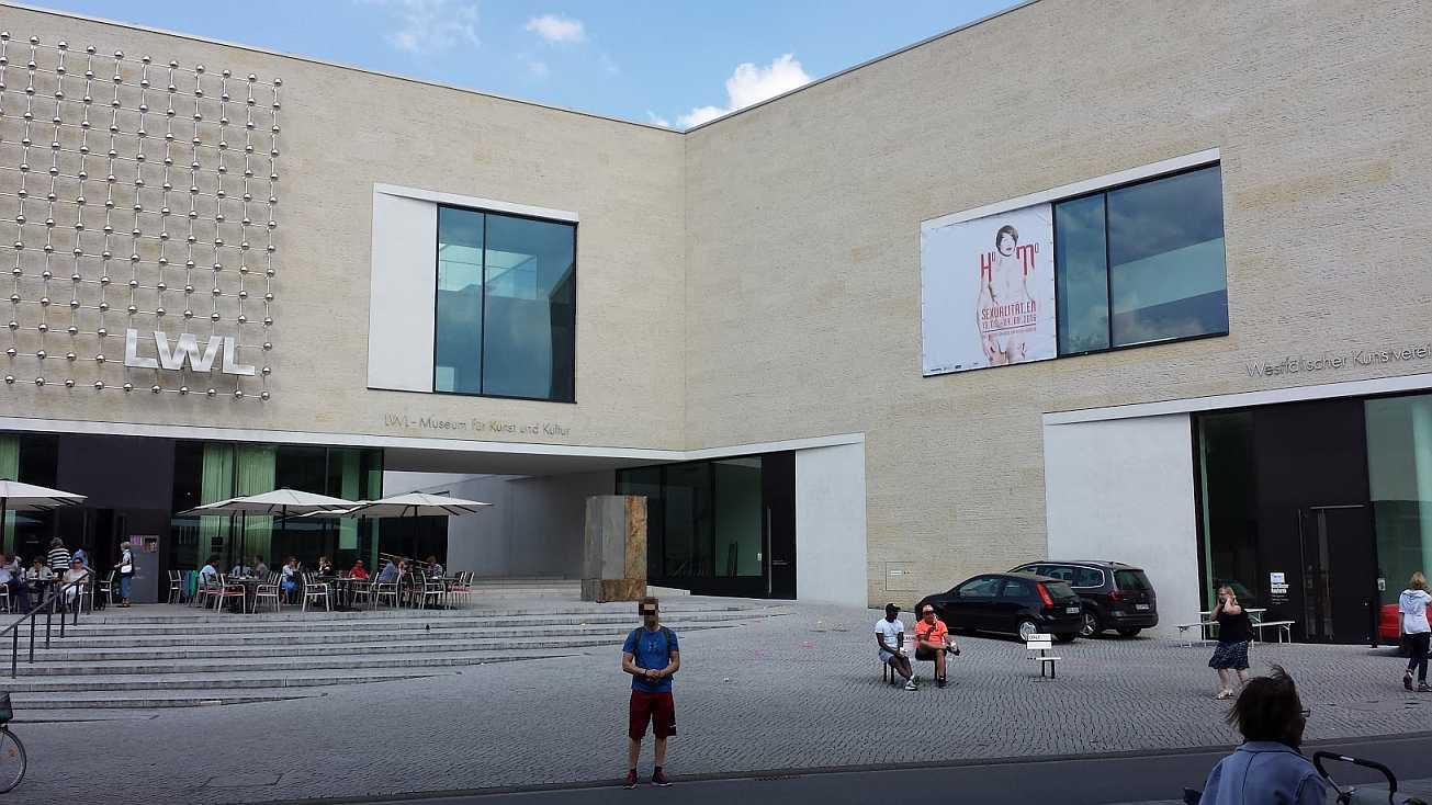 Homosexualitäten Münster LWL Fassade