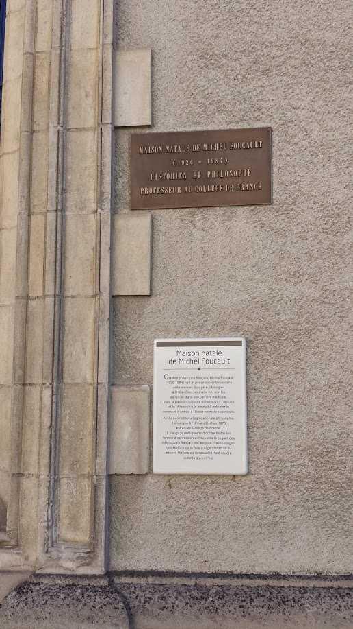 Michel Foucault Geburtshaus in Poitiers - Gedenktafeln