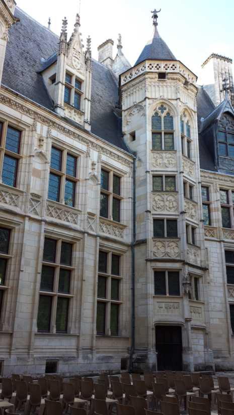 Palais Jacques Coeur - Hof