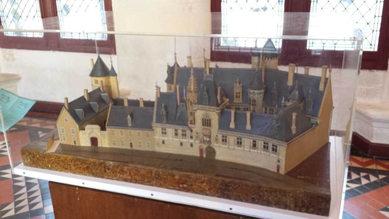 Modell des Palais Jacques Coeur im Museum