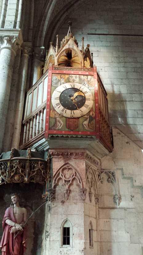 historisches Glockenspiel Beauvais aus dem Jahr 1302