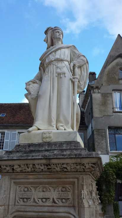Denkmal Jacques Ccoeur, Bourges, vor dem Palais Jacques Coeur