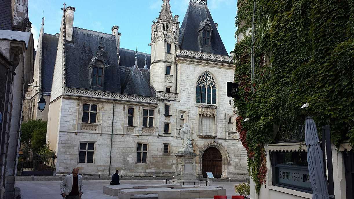 Palais Jacques Coeur - Ansicht von der Stadt