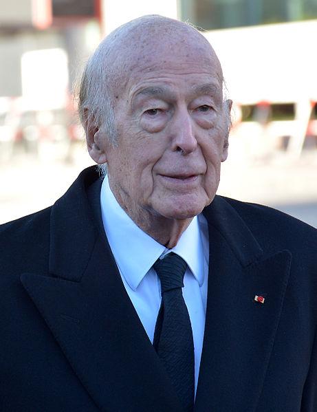 Der frühere französische Staatspräsident Valéry Giscard d'Estaing nahm ebenfalls an dem Staatsakt für Helmut Schmidt am 23.11.2015 teil (Foto: WDKrause, Lizenz cc-by-sa 4.0)